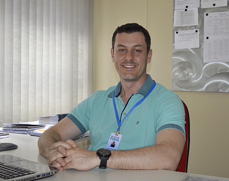 Professor Ricardo Reche