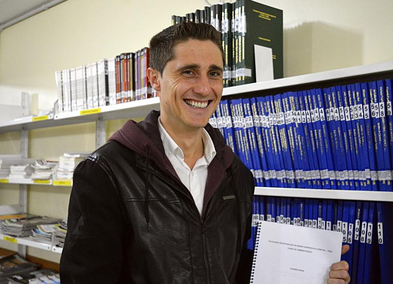 TCC Nota 10 em Administração Rodrigo Rode